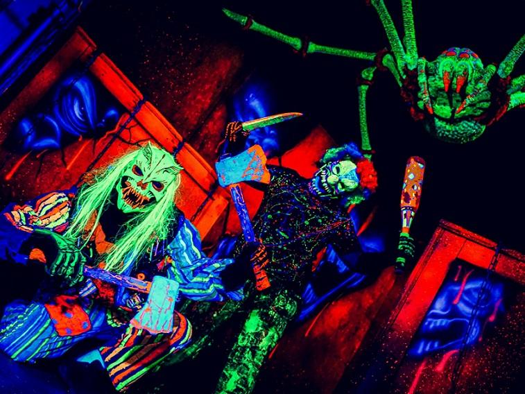 haunted-attraction-utah-clowns-carnevil